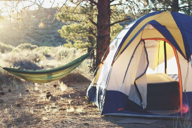 Kunststoffösen für Zeltplanen